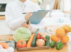 管理栄養士の仕事内容は種類が豊富!気になる年収も紹介
