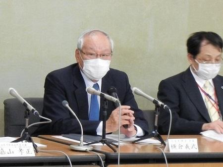第2次補正予算案の編成に向けて安倍首相と面会した横倉氏(18日、厚労省)