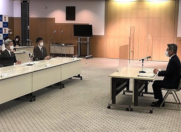 会談の様子(30日、日医会館)
